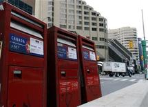 <p>Mail boxes are marked with move signs in preparation for the June 26-27 G20 Summit in Toronto June 14, 2010.REUTERS/ Mike Cassese</p>