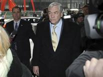 <p>Conrad Black arrives at the Federal Courthouse in Chicago for a status hearing, January 13, 2011. REUTERS/John Gress</p>