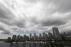 <p>Residential and commercial buildings are pictured in Vancouver, British Columbia June 20, 2011. REUTERS/Jason Lee</p>