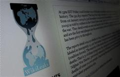 <p>Foto de archivo del sitio web WikiLeaks visto desde un ordenador en Hoboken, EEUU, nov 28 2010. - WikiLeaks dijo que su web había sido objeto de un ciberataque a última hora del martes, cuando procedía a la publicación de miles de cables diplomáticos estadounidenses no difundidos con anterioridad, algunos de ellos clasificados. REUTERS/Gary Hershorn</p>