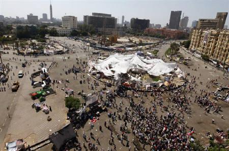 A general view of protesters at Tahrir Square after Friday prayers in Cairo July 22, 2011. REUTERS/Mohamed Abd El-Ghany/Files