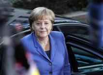 <p>Germany's Chancellor Angela Merkel arrives at the European Union summit in Brussels, October 23, 2011. REUTERS/Sebastien Pirlet</p>