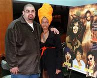 <p>Hip-hop artist Heavy D (L) and singer Erykah Badu pose during a photo opportunity for the 12th annual Soul Train Music Awards in Beverly Hills in this January 28, 1998 file photo. REUTERS/Fred Prouser/Files</p>