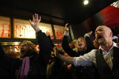 <p>Occupy Wall Street protesters demonstrate outside Macy's department store in New York November 25, 2011. REUTERS/Eric Thayer</p>