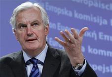 <p>Dans une interview accordée à Reuters, le commissaire européen au Marché intérieur Michel Barnier a dit espérer que la Grande-Bretagne rejoindrait le nouveau pacte budgétaire de la zone euro et a promis de protéger Londres et la City contre toute règle qui serait discriminatoire. /Photo prise le 7 décembre 2011/REUTERS/Thierry Roge</p>