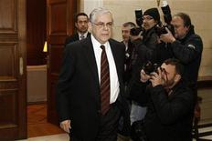 <p>Prime Minister Lucas Papademos arrives at his office in Athens for a meeting with Greek political leaders February 5, 2012. REUTERS/Yiorgos Karahalis</p>
