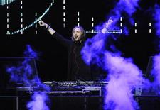 <p>David Guetta performs at the 102.7 KIIS FM's Jingle Ball 2011 in Los Angeles December 3, 2011. REUTERS/Phil McCarten</p>