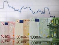 <p>Selon le journal Il Sole 24 Ore, la Commission européenne doit réviser à la baisse sa prévision de croissance du PIB de la zone euro cette année et prédire une contraction de l'économie de l'ensemble du bloc. /Photo d'archives/REUTERS/Dado Ruvic</p>