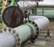 <p>L'offre de pétrole des pays hors Opep augmentera moins que prévu au premier trimestre, estime l'Agence internationale de l'énergie (AIE), tout en laissant inchangée sa prévision de croissance de la demande mondiale. /Photo d'archives/REUTERS/Tobias Schwarz</p>