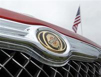<p>Chrysler Group a annoncé une progression de 34% de ses ventes aux Etats-Unis en mars, soit le 24e mois consécutif de hausse des ventes en glissement annuel pour le constructeur et le 10e mois d'affilée d'une croissance de 20% au moins. /Photo d'archives/REUTERS/Mike Blake</p>