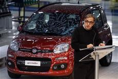 <p>L'administrateur délégué de Fiat Sergio Marchionne. Le groupe italien estime que les ventes automobiles vont baisser en Europe en 2012 pour la cinquième année d'affilée, à 13 millions d'unités contre 13,1 millions en 2011. /Photo prise le 4 décembre 2011/REUTERS/Alessandro Bianchi</p>