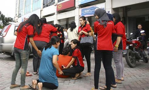 Indonesia quakes spark tsunami fears