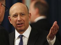 <p>Le PDG de Goldman Sachs Lloyd Blankfein a perçu une rémunération globale de 16,2 millions de dollars l'an dernier, en augmentation de 14,5% par rapport à 2010. /Photo prise le 14 février 2012/REUTERS/Larry Downing</p>