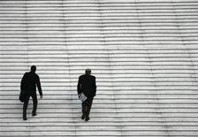 <p>Le climat général des affaires en France a reculé d'un point en avril, à 95, annonce l'Insee lundi dans son enquête conjoncture mensuelle. L'indicateur synthétique du climat des affaires dans l'industrie manufacturière diminue pour sa part de trois points, également à 95. Ces deux indicateurs restent sous le seuil de 100 qui correspond à leur moyenne de longue période. /Photo d'archives/REUTERS/John Schults</p>