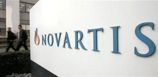<p>Les résultats trimestriels de Novartis ont été affectés par le recul des ventes de sa filiale de médicaments génériques Sandoz et la suspension de la production d'un site aux Etats-Unis. Le groupe pharmaceutique suisse s'attend par conséquent à une légère dégradation de sa rentabilité cette année. /Photo d'archives/REUTERS/Arnd Wiegmann</p>