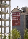 <p>Immeubles inachevés à Madrid. Les cinq premières banques espagnoles vont devoir provisionner 15 milliards d'euros supplémentaires pour couvrir le risque lié à leurs prêts immobiliers, mettant encore sous pression leurs finances alors que l'Espagne tente de restaurer la confiance dans son secteur bancaire. /Photo prise le 11 mai 2012/REUTERS/Juan Medina</p>