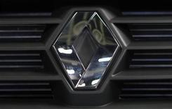 <p>Les automobilistes pourront commander dans quinze jours la nouvelle Clio de Renault, un modèle stratégique pour redonner un coup de fouet aux ventes du constructeur automobile en France et en Europe. /Photo d'archives/REUTERS/Maxim Shemetov</p>