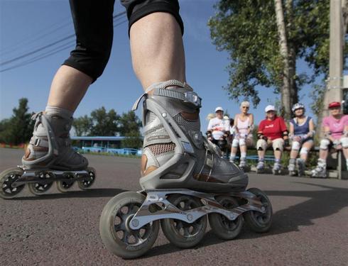 Roller-skating retirees