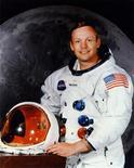 <p>Imagen de archivo del astronauta Neil Armstrong. Mientras familiares y amigos de Neil Armstrong se reunieron en Ohio el viernes en un servicio conmemorativo privado, la NASA homenajeó al astronauta de la misión Apolo, calificándolo como un gran estadounidense y un héroe espacial. REUTERS/NASA/Handout Imagen para uso no comercial, ni ventas, ni archivos. Solo para uso editorial. No para su venta en marketing o campañas publicitarias. Esta imagen fue entregada por un tercero y es distribuida, exactamente como fue recibida por Reuters, como un servicio para clientes.</p>