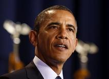 <p>La Maison Blanche a rejeté lundi des propositions budgétaires républicaines comportant une réforme fiscale et une réduction des dépenses, jugeant qu'elles ne permettent pas au président Barack Obama de tenir sa promesse d'augmenter les impôts des classes les plus favorisées. /Photo prise le 3 décembre 2012/REUTERS/Larry Downing</p>