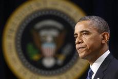 <p>La Maison Blanche a rejeté lundi des propositions budgétaires républicaines comportant une réforme fiscale et une réduction des dépenses, jugeant qu'elles ne permettent pas au président Barack Obama de tenir sa promesse d'augmenter les impôts des classes les plus favorisées. /Photo prise le 28 novembre 2012/REUTERS/Kevin Lamarque</p>