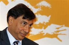 <p>Lakshmi Mittal, PDG du groupe ArcelorMittal, dit n'avoir jamais vraiment cru à une nationalisation du site de Florange dans ses discussions avec François Hollande, dans une interview que publie Le Figaro jeudi. /Photo prise le 31 mars 2012/REUTERS/B Mathur</p>