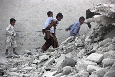 Quake hits Pakistan