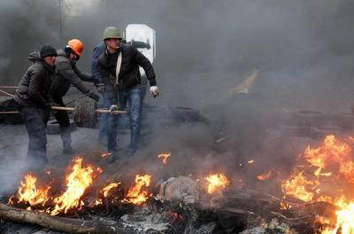 Building the barricades in Kiev