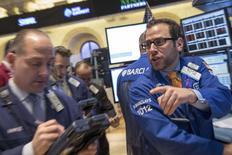 Wall Street a ouvert en très légère hausse jeudi. Le Dow Jones gagne 0,1% dans les premiers échanges. Le Standard & Poor's 500 progresse de 0,06% et le Nasdaq prend 0,1%. /Photo prise le 24 février 2014/REUTERS/Brendan McDermid
