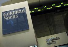 Goldman Sachs publie jeudi une baisse de 11% de son bénéfice au premier trimestre, imputable en particulier à une diminution de son revenu tiré du trading de taux fixe. /Photo REUTERS/Brendan McDermid