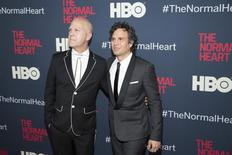 """Producer Ryan Murphy (L) and cast member Mark Ruffalo attend the premiere of """"The Normal Heart"""" in New York May 12, 2014. REUTERS/Andrew Kelly"""