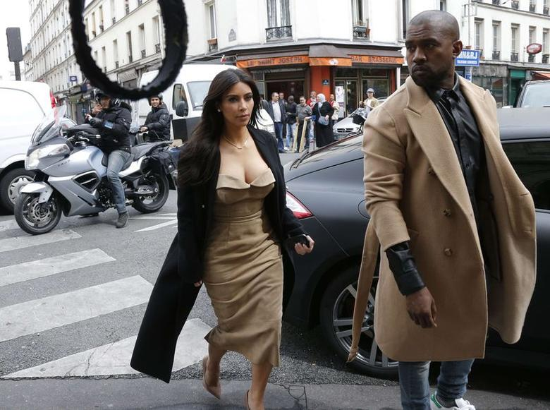 Kim Kardashian Kanye West Dazzle Guests In Versailles Reuters Com