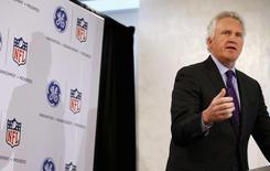 Jeff Immelt, Chairman and CEO of General Electric speaks at a news conference announcing the Head Health Initiative along with the National Football League (NFL), in New York March 11, 2013. REUTERS/Mike Segar