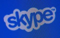Сайт Skype, Лозанна, 10 мая 2011 года. Microsoft Corp продемонстрировала тестовую версию программы для Skype, которая переводит разговоры в режиме реального времени. REUTERS/Denis Balibouse