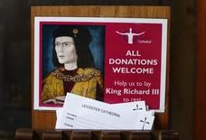 Donation cards are seen displayed after a decision of the Judicial Review permitting King Richard lll to be buried at Leicester Cathedral in central England May 23, 2014.  REUTERS/Darren Staples