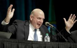Microsoft Chief Executive Steve Ballmer answers questions at the company's annual shareholder meeting in Bellevue, Washington November 19, 2013.  REUTERS/Jason Redmond