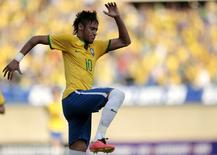 O atacante Neymar comemora gol do Brasil contra o Panamá em Goiânia nesta terça-feira. REUTERS/Ueslei Marcelino
