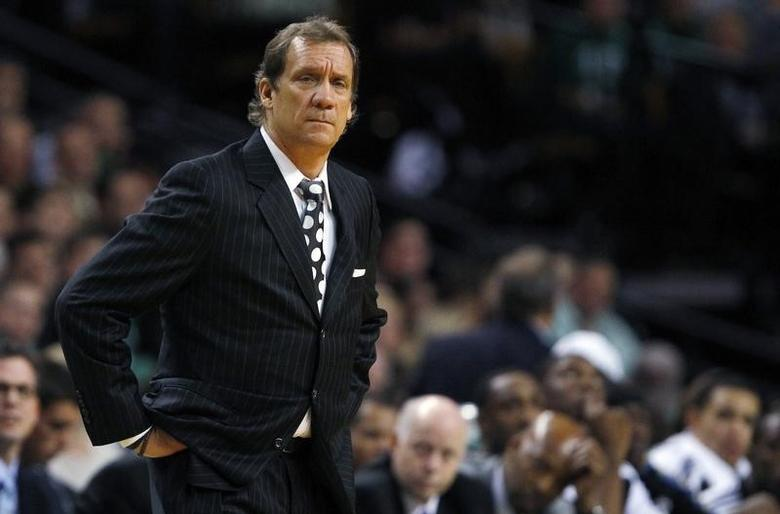 Washington Wizards head coach Flip Saunders reacts after a foul is called against his team in the second half of their NBA basketball game against the Boston Celtics in Boston, Massachusetts November 17, 2010.   REUTERS/Brian Snyder
