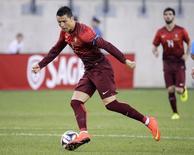 Atacante português Cristiano Ronaldo durante amistoso preparatório para o Mundial, contra a Irlanda, em Nova Jersey, EUA. 10/06/2014.  REUTERS/Ray Stubblebine
