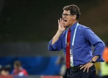 Técnico da Rússia Fabio Capello em partida contra Coreia do Sul em Cuiabá. 17/06/2014 REUTERS/Eric Gaillard