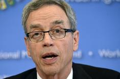 Canada's Finance Minister Joe Oliver makes remarks to the press during the IMF/World Bank 2014 Spring Meetings in Washington April 11, 2014.    REUTERS/Mike Theiler