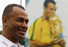 Cafu sorri durante evento em São Paulo no dia 10 de junho.  REUTERS/Nacho Doce