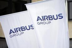 Airbus Group, en négociations avancées avec le loueur d'avions SMBC Aviation Capital pour une commande d'une centaine d'avions, à suivre vendredi à la Bourse de Paris. /Photo d'archives/REUTERS/Benoît Tessier
