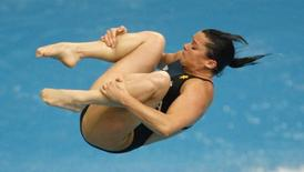Chantelle Newbery of Australia competes in the women's 3m springboard diving semi-final at the National Aquatics Center during the Beijing 2008 Olympic Games August 16, 2008. REUTERS/Laszlo Balogh