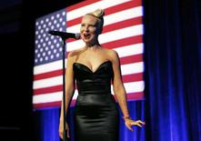 Singer Sia performs at the  Democratic National Committee's (DNC) annual Lesbian, Gay, Bisexual and Transgender (LGBT) gala in New York June 17,  2014. REUTERS/Kevin Lamarque