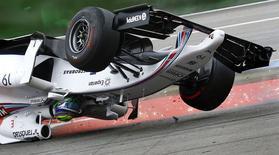 Felipe Massa sofre acidente no GP da Alemanha em 20 de julho.    REUTERS/Kai Pfaffenbach