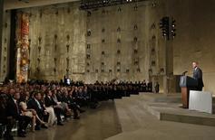 O presidente dos EUA, Barack Obama, discursa em museu do 11 de Setembro, em Nova York, em 15 de maio.     REUTERS/Mike Segar