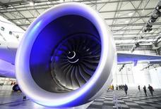 Airbus a confirmé l'annulation d'une commande de six A380 passée par Skymark, la compagnie japonaise n'étant pas en mesure de la financer. /Photo d'archives/REUTERS/Fabian Bimmer