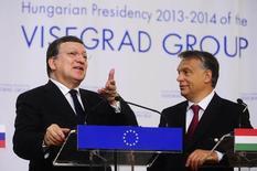 Presidente da Comissão Europeia, Durão Barroso, ao lado do premiê da Hungria, Orban, em Budapeste. 24/06/2014 REUTERS/Stringer