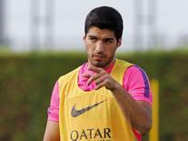 Atacante Luis Suárez durante treino com o Barcelona em Sant Joan Despi, nos arredores de Barcelona. 15/08/2014. REUTERS/Gustau Nacarino
